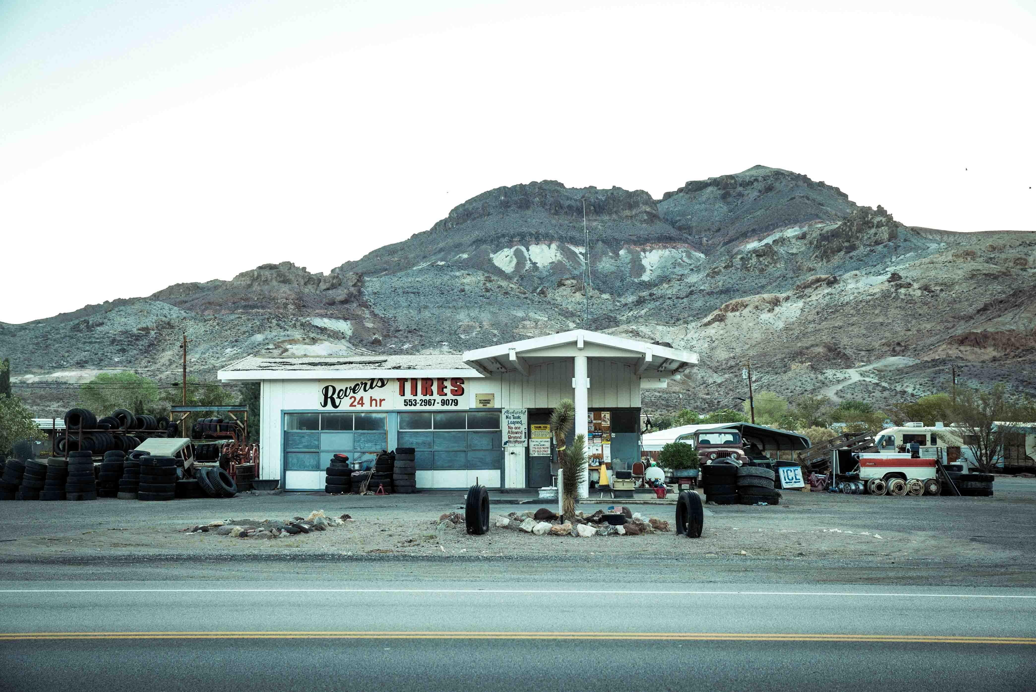 Beatty Death valley vallée de la mort Las Vegas Los Angeles San Francisco blog carnet de voyage voiture américaine station essence désert montagnes