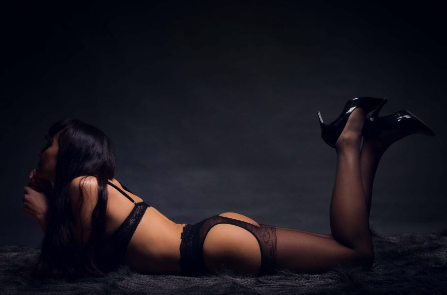 boudoir charme intime portrait studio toulouse nu lingerie femme modèle